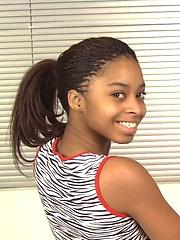 Sexy black teen girl show his pretty tits