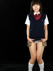Japanese schoolgirl Kitahara Chiaki