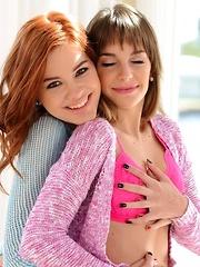 Girlfriends showing hot oral scene