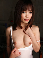 Hot darling Arisa Suzuki shows her fine tits